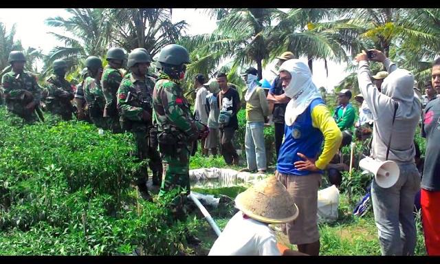 TNI-AD dan Warga Urutsewu