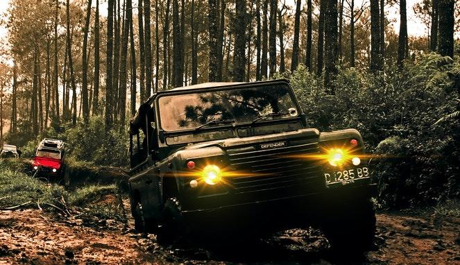 Ilustrasi jeep | Photo by ahmad syahrir from Pexels